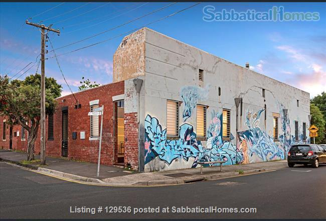 200 sq. metre 3 BEDROOM HOUSE - Quality & class in a cool conversion in Melbourne's hippest suburb - Brunswick East Home Rental in Brunswick, VIC, Australia 3