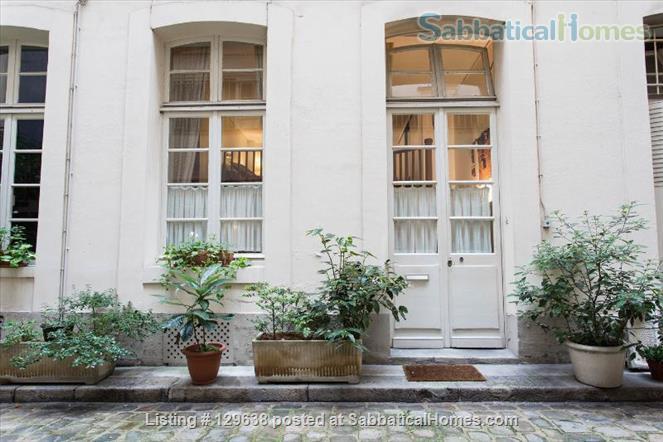 Charming Loft-style Apartment in the Haut Marais Home Rental in Paris, Île-de-France, France 6