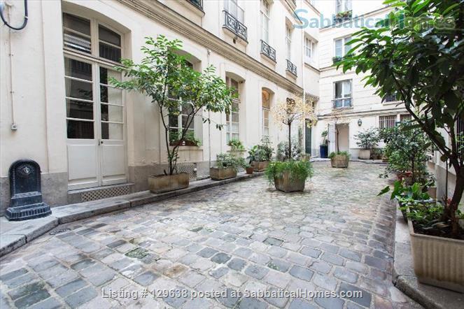 Charming Loft-style Apartment in the Haut Marais Home Rental in Paris, Île-de-France, France 7