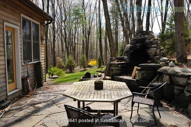 Spacious House with , patio, deck & access to pond Home Rental in Accord, New York, United States 3