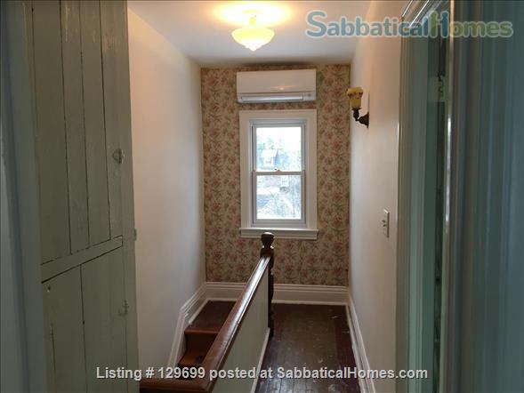 Lovely downtown house: 3 bedroom + 2 studies, back yard, front porch, electric car parking Home Rental in Toronto, Ontario, Canada 2