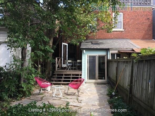 Lovely downtown house: 3 bedroom + 2 studies, back yard, front porch, electric car parking Home Rental in Toronto, Ontario, Canada 8