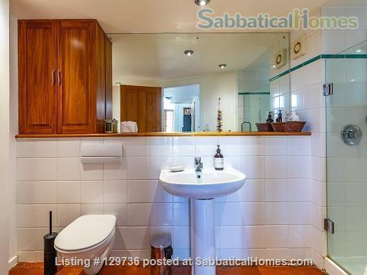 Large Character Apartment in Central Auckland Home Rental in Auckland 9