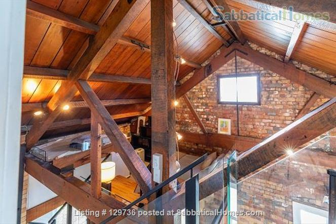 Large Character Apartment in Central Auckland Home Rental in Auckland 8
