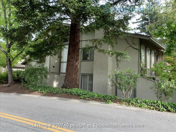 Furnished 2 bedroom townhome in  Silicon Valley by Stanford/UC Berkeley Home Rental in Menlo Park, California, United States 1