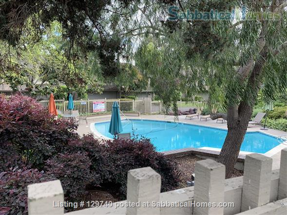 Furnished 2 bedroom townhome in  Silicon Valley by Stanford/UC Berkeley Home Rental in Menlo Park, California, United States 3