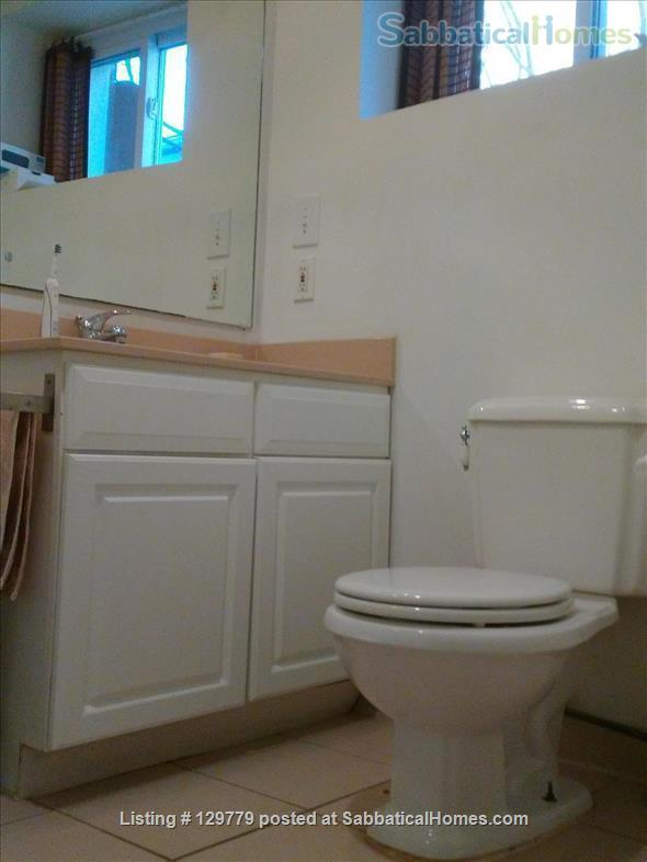 Cozy  English Basement Apt in pleasant Cleveland Park DC Home Rental in Washington, District of Columbia, United States 4