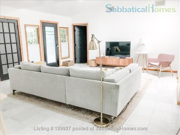 Quiet  S Austin 3bd/2ba + home office, walk to St Eds, 3 miles to UT Home Rental in Austin, Texas, United States 1