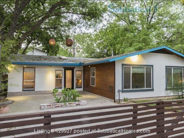 Quiet  S Austin 3bd/2ba + home office, walk to St Eds, 3 miles to UT Home Rental in Austin, Texas, United States 0