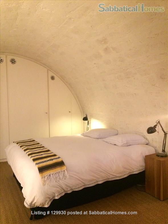 Loft-style apartment in Paris 17 with private courtyard Home Rental in Paris, Île-de-France, France 4