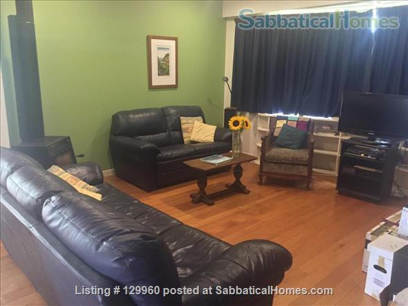 Character central Auckland bungalow with easy access to campuses Home Rental in Auckland, Auckland, New Zealand 2