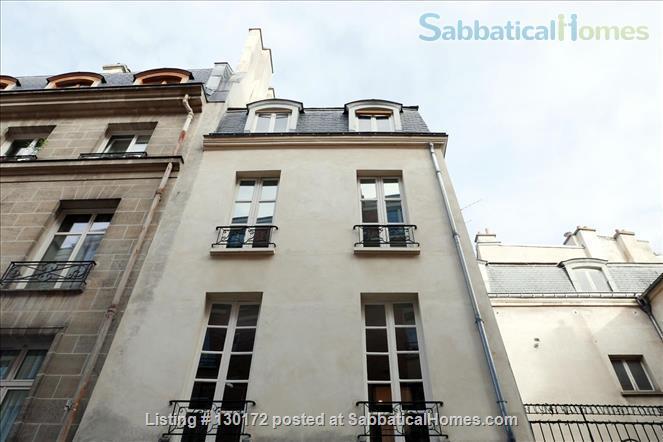 Unique apt for 6 - Great place in Le Marais. Home Rental in Paris, Île-de-France, France 9