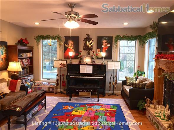 Great 4-BR & 3.5-Bath Home for Family in Desirable Neighborhood Home Rental in State College, Pennsylvania, United States 2