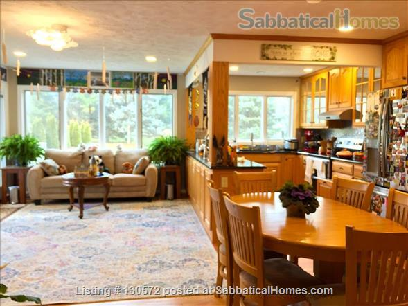 Great 4-BR & 3.5-Bath Home for Family in Desirable Neighborhood Home Rental in State College, Pennsylvania, United States 3