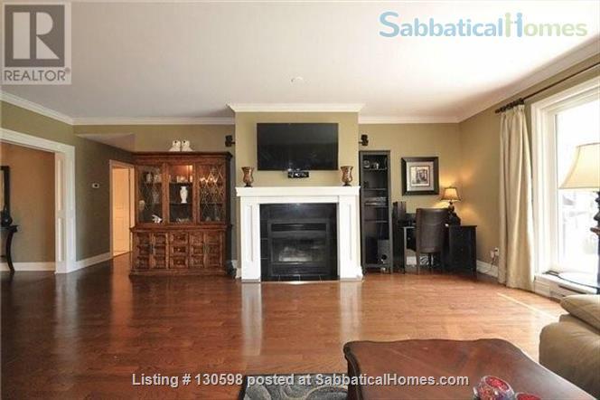 Beacon Hall Golf Course Home, Aurora, Toronto GTA Home Rental in Aurora, Ontario, Canada 4