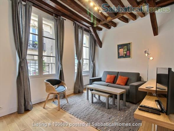Charming 1 bedroom apartment in Latin Quarter 200 yards from Notre Dame Home Rental in Paris, Île-de-France, France 1