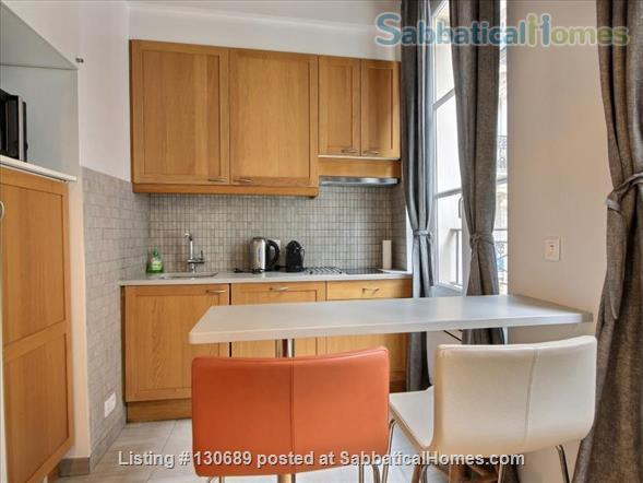 Charming 1 bedroom apartment in Latin Quarter 200 yards from Notre Dame Home Rental in Paris, Île-de-France, France 2