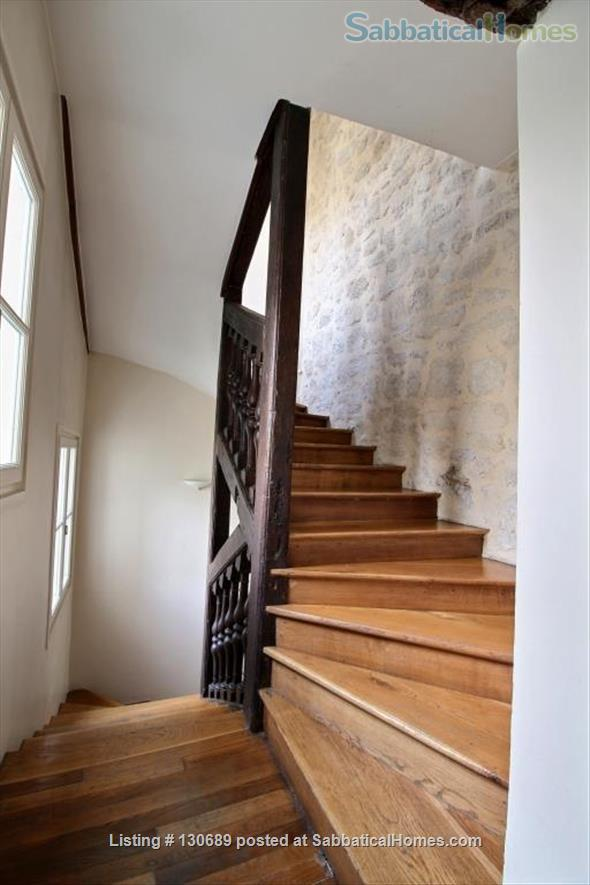 Charming 1 bedroom apartment in Latin Quarter 200 yards from Notre Dame Home Rental in Paris, Île-de-France, France 8