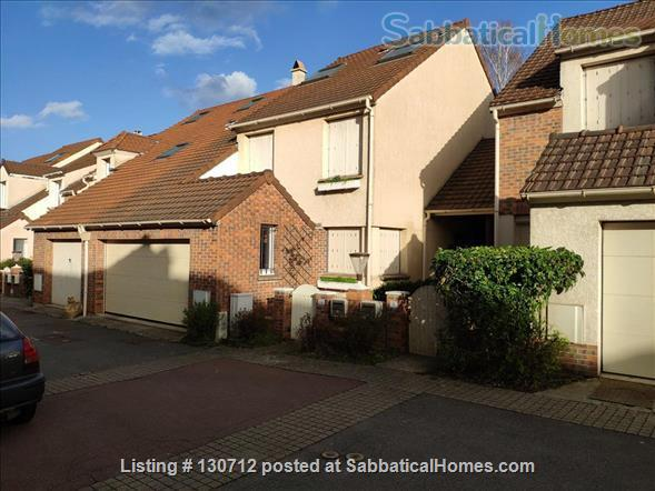 RENT  :  2000 €   (Month)       550 € - 650 €  weekly  Home Rental in Gif-sur-Yvette, Île-de-France, France 0