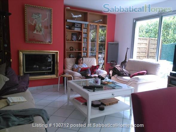 RENT  :  2000 €   (Month)       550 € - 650 €  weekly  Home Exchange in Gif-sur-Yvette, Île-de-France, France 3
