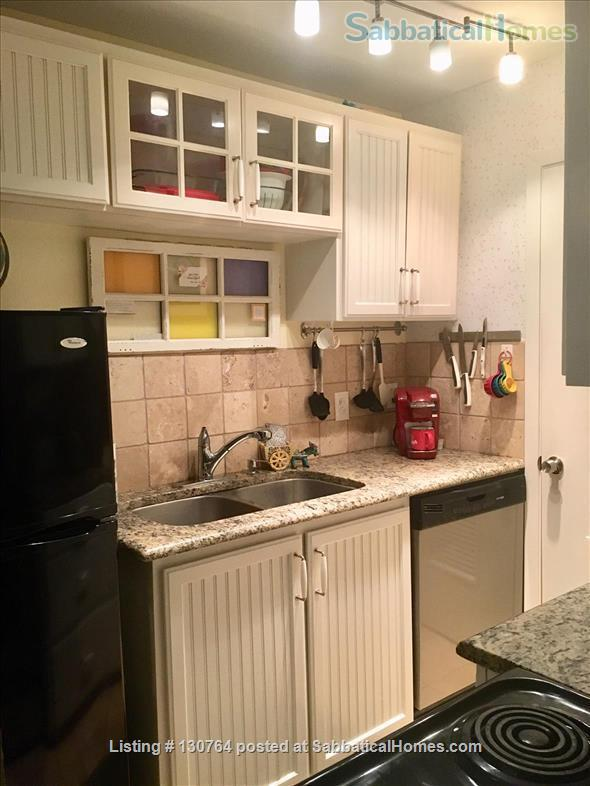 Cozy West Campus Cottage 1bdr/1ba (utilities included) Home Exchange in Austin, Texas, United States 6