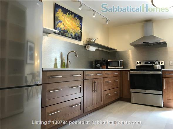 Spacious Berkeley apartment with balcony and view of San Francisco Bay.  Walk to campus. Home Rental in Berkeley 0 - thumbnail