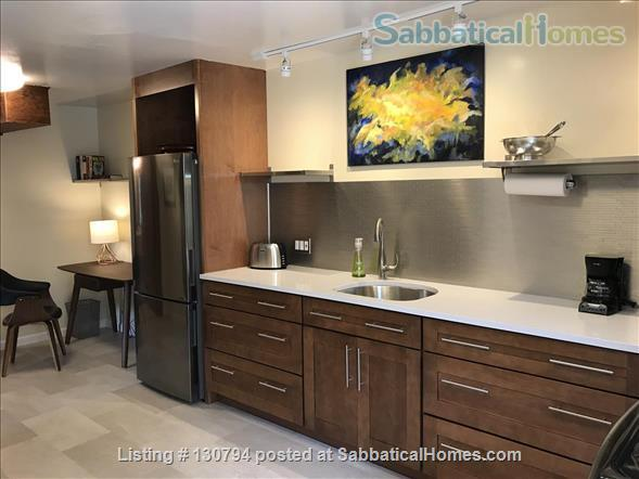Spacious Berkeley apartment with balcony and view of San Francisco Bay.  Walk to campus. Home Rental in Berkeley, California, United States 5
