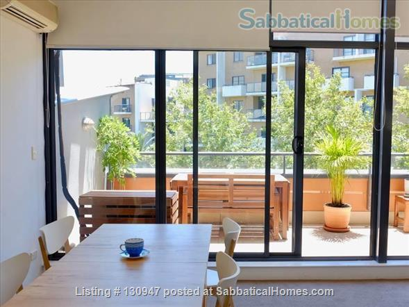 Sunny Apartement walking distance to Sydney University, UTS, and  RPAH Home Exchange in Newtown, NSW, Australia 2