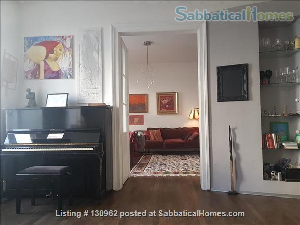 Inspirational Feel-Good Home, Ideal Location, for 2-4 Guests Home Rental in Vienna, Wien, Austria 2