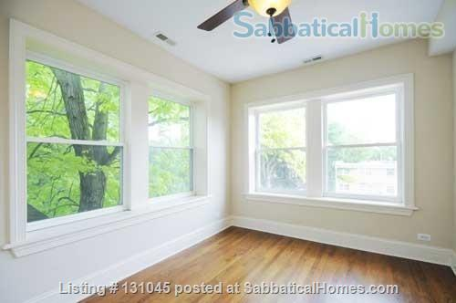 1B/1B in beautiful + spacious 3B/3B Condo Home Rental in Chicago, Illinois, United States 7