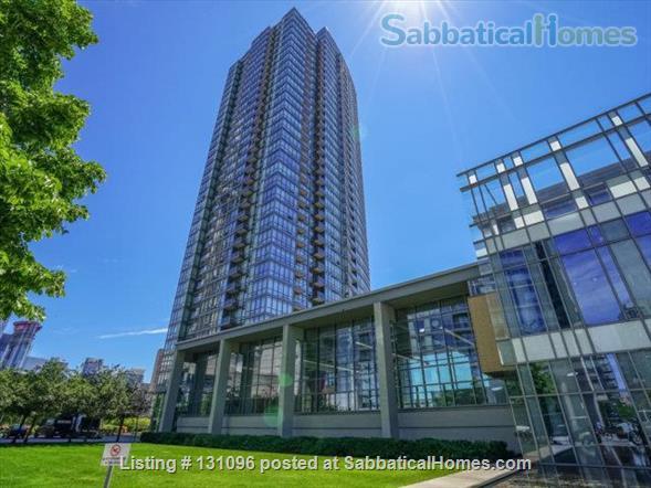 Condo: 2 beds, 1 bath, AMAZING DOWNTOWN LOCATION! Home Rental in Toronto, Ontario, Canada 9