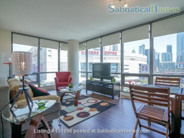 Condo: 2 beds, 1 bath, AMAZING DOWNTOWN LOCATION! Home Rental in Toronto, Ontario, Canada 1