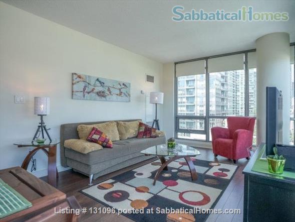 Condo: 2 beds, 1 bath, AMAZING DOWNTOWN LOCATION! Home Rental in Toronto, Ontario, Canada 0