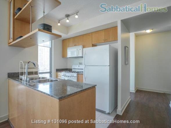 Condo: 2 beds, 1 bath, AMAZING DOWNTOWN LOCATION! Home Rental in Toronto, Ontario, Canada 2