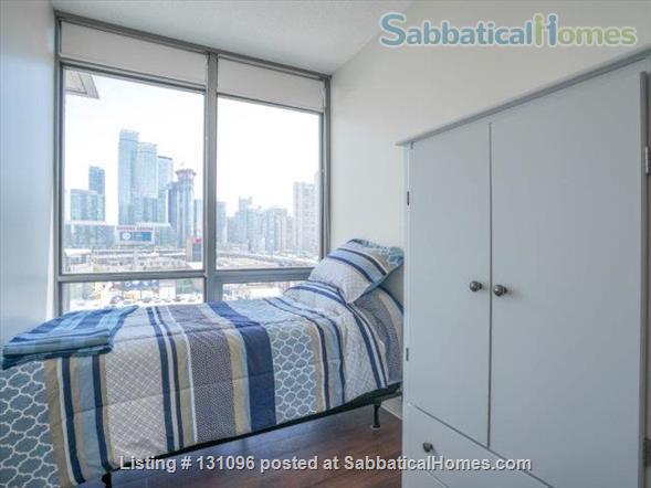 Condo: 2 beds, 1 bath, AMAZING DOWNTOWN LOCATION! Home Rental in Toronto, Ontario, Canada 5