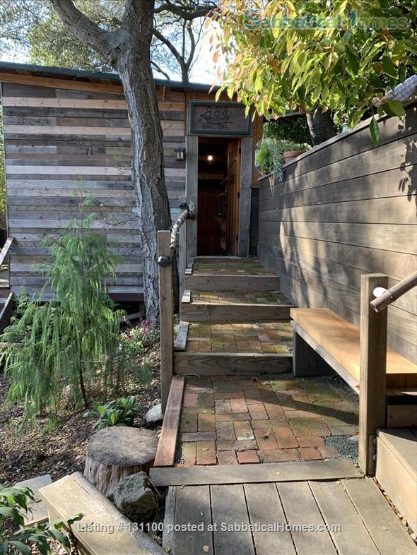 Cabin in the trees Home Rental in Berkeley, California, United States 2