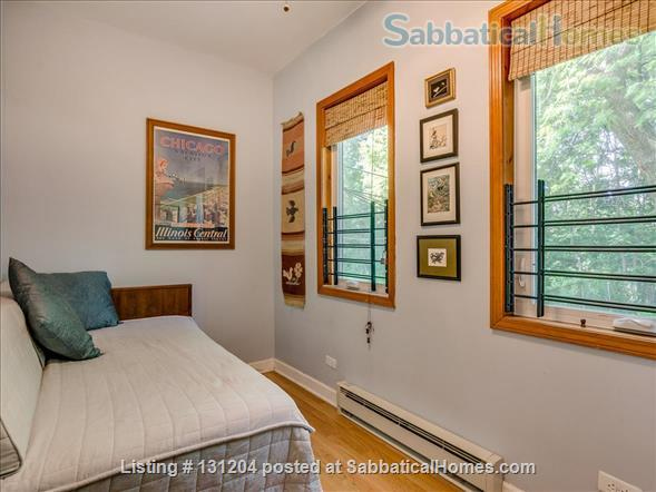 Furnished 2brd 2 bath near University of Chicago Home Rental in Chicago, Illinois, United States 9