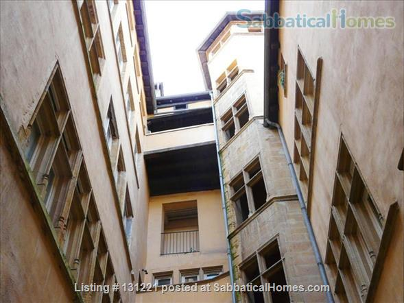 Apartment quiet and sunny for rent in the district of Vieux Lyon Home Rental in Lyon, Auvergne-Rhône-Alpes, France 7