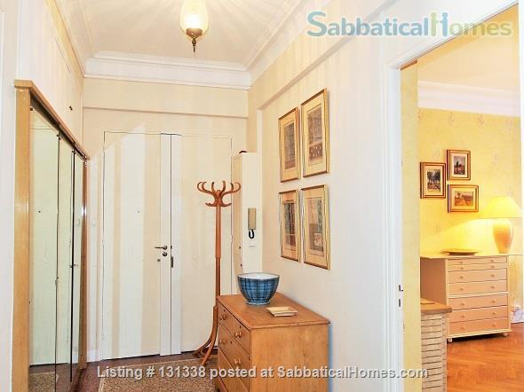 Nice - centrally placed spacious bright sunny flat - ideal for business, sightseeing and travel Home Rental in Nice, Provence-Alpes-Côte d'Azur, France 2