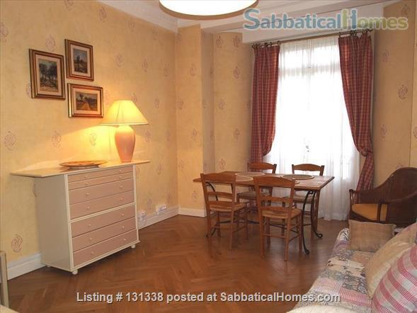 Nice - centrally placed spacious bright sunny flat - ideal for business, sightseeing and travel Home Rental in Nice, Provence-Alpes-Côte d'Azur, France 3
