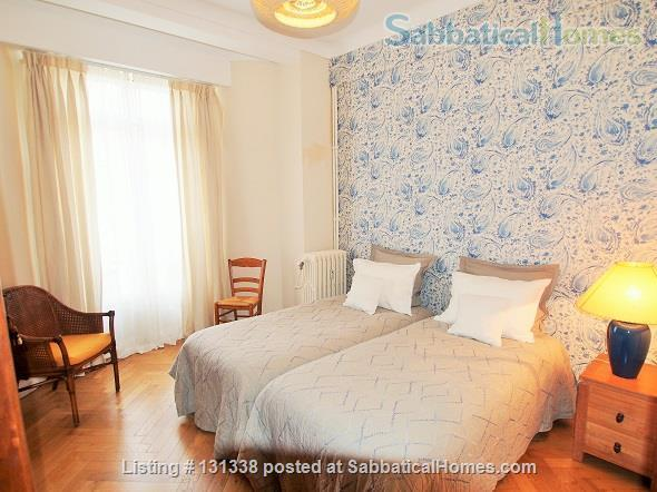 Nice - centrally placed spacious bright sunny flat - ideal for business, sightseeing and travel Home Rental in Nice, Provence-Alpes-Côte d'Azur, France 4