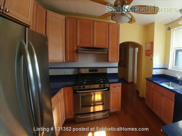 Chicago Condo Apartment Home Rental in Chicago, Illinois, United States 4