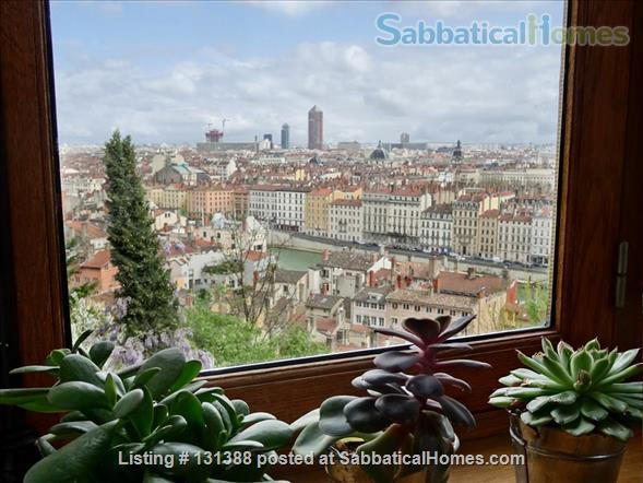 Bright and sunny Apt 4-5 persons with a view over the city Home Rental in Lyon, Auvergne-Rhône-Alpes, France 1