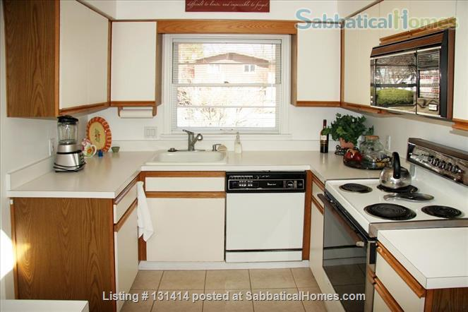 EXECUTIVE HOME FOR LEASE - EAST LANSING, GLENCAIRN NEIGHBORHOOD Home Rental in East Lansing, Michigan, United States 3