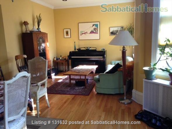 Beautiful, furnished, light-filled condo in Historic District Home Rental in Evanston, Illinois, United States 1