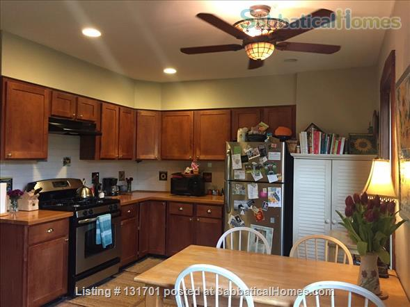 $2900 - Charming 4/5bd, 2ba House on Tree-Lined St near Northwestern Home Rental in Evanston, Illinois, United States 3