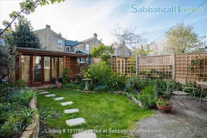 Spacious 2 bedroom flat with pretty private  garden near central London Home Rental in Greater London, England, United Kingdom 2
