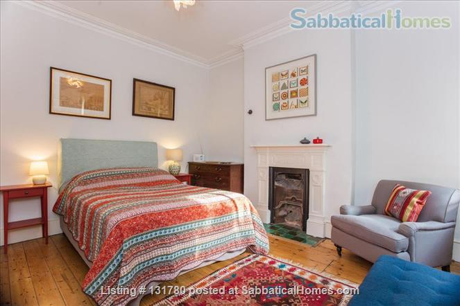 Spacious 2 bedroom flat with pretty private  garden near central London Home Rental in Greater London, England, United Kingdom 3