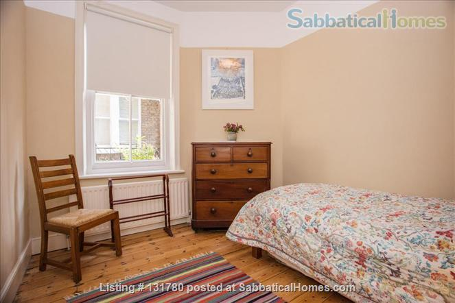 Spacious 2 bedroom flat with pretty private  garden near central London Home Rental in Greater London, England, United Kingdom 4