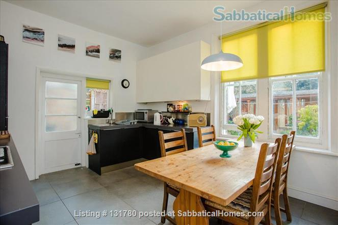 Spacious 2 bedroom flat with pretty private  garden near central London Home Rental in Greater London, England, United Kingdom 5